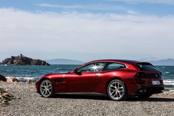 170100-car_GTC4LussoT-rosso