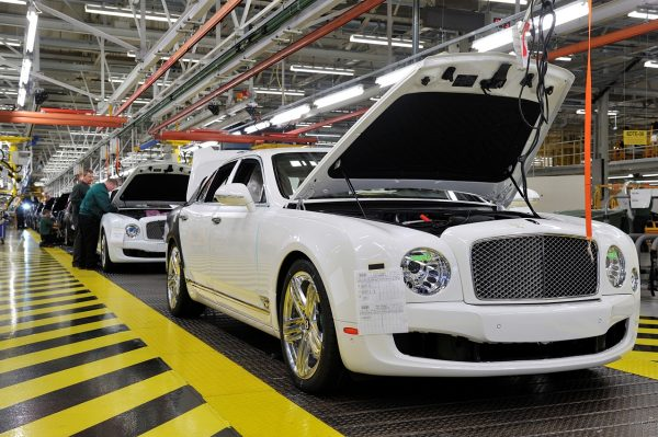 Production of the Bentley Mulsanne[4]